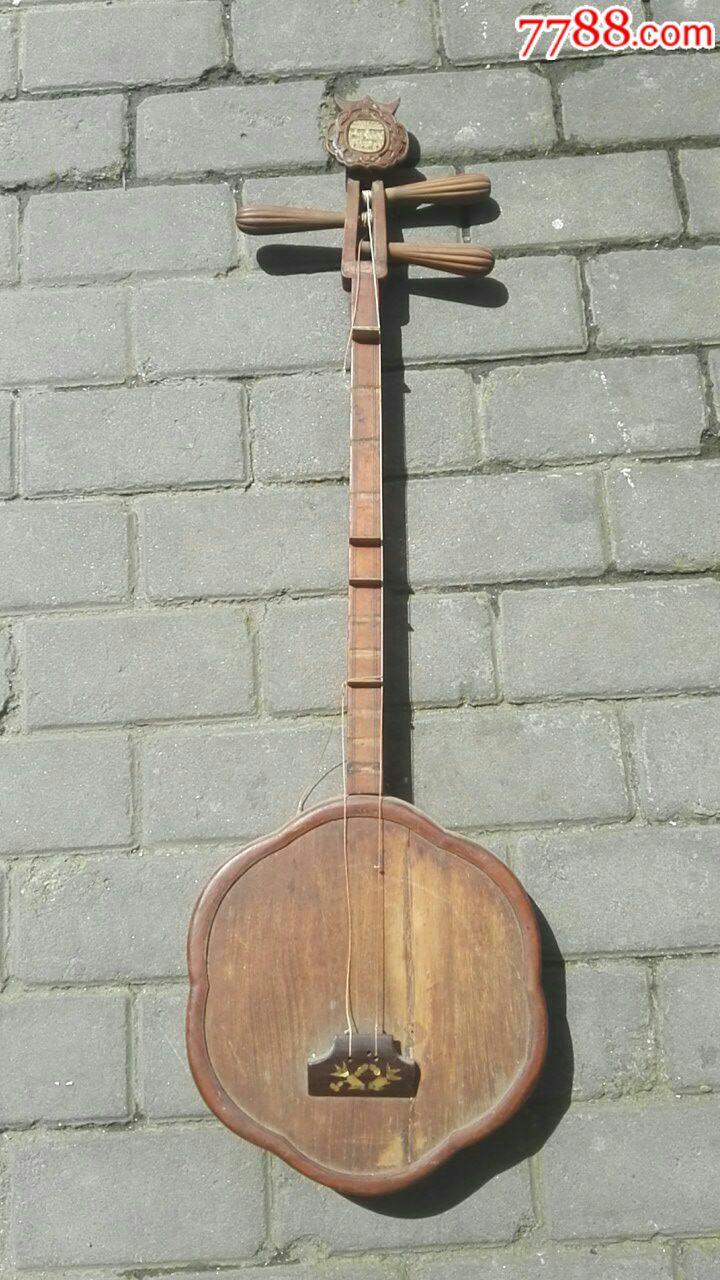 三弦琴图片