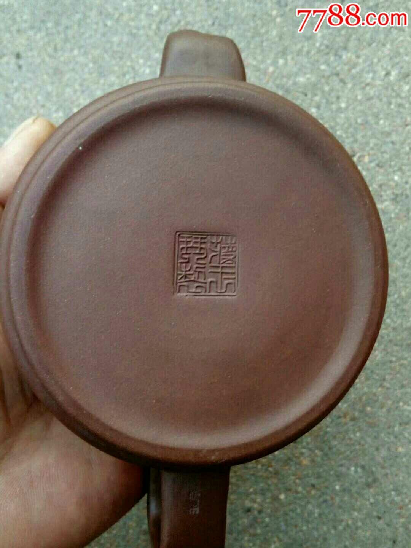 八十年代蒋玉琴款精美紫砂壶
