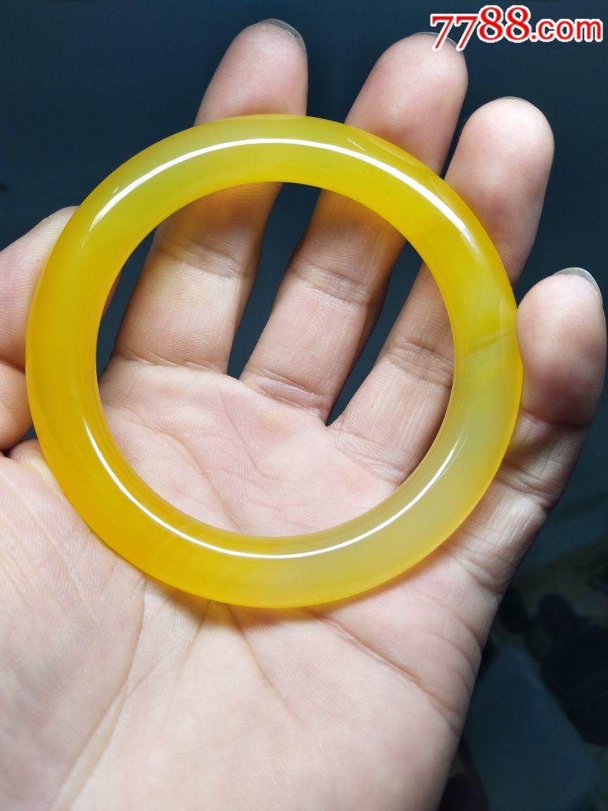 56黄色一级_天然黄色玛瑙手镯一个尺寸56厘米