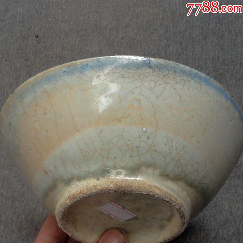 元明时期龙泉梅子青釉瓷碗图片