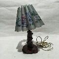 文革台灯。花椒木做的,图案漂亮