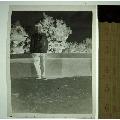 老照片收藏2002C13-70年代初假山旁穿警服的公安-底片(au22375815)_7788收藏__收藏熱線