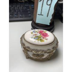【要的出價】日本花卉八音盒(au25108294)_7788舊貨商城__七七八八商品交易平臺(7788.com)