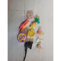 食品玩具一堆(大大,乖乖,彩笛卷等)(au25113509)_7788舊貨商城__七七八八商品交易平臺(7788.com)