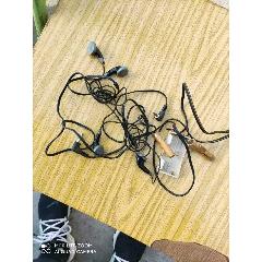 耳機一起出售(au25149539)_7788舊貨商城__七七八八商品交易平臺(7788.com)