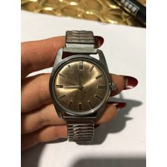 上海110手表一個。沒有表蒙子和秒針。走時。配件拍。不知道準不準(au25156242)_7788舊貨商城__七七八八商品交易平臺(7788.com)