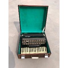 《百樂》牌老手風琴一個,聲音動聽悅耳,保存完好,能正常使用。(au25415839)_7788舊貨商城__七七八八商品交易平臺(7788.com)