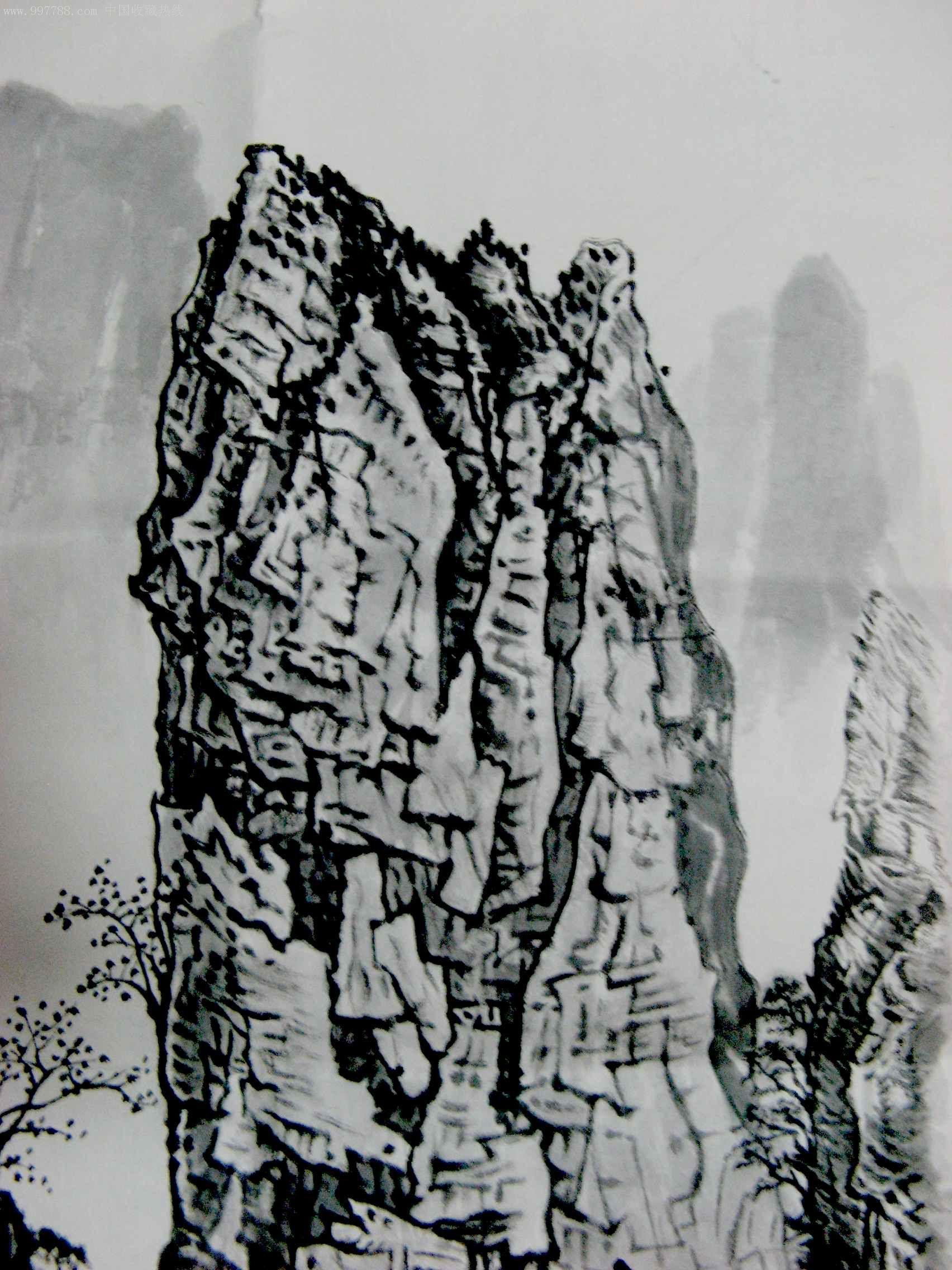 很有力度的四尺开三山水画《奇山秀水》图片