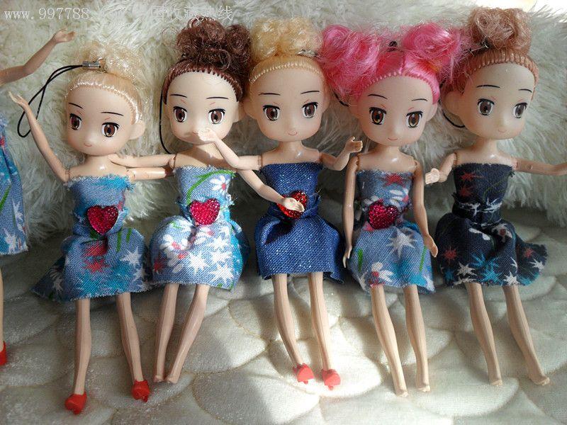 可爱的芭比娃娃